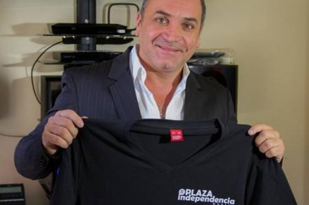 Luis Jara firma